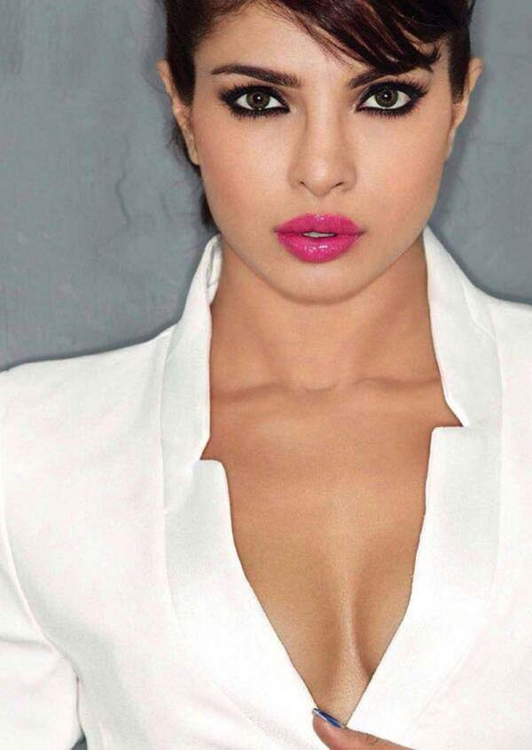Priyanka Chopra sexiest pictures from her hottest photo shoots. (2)