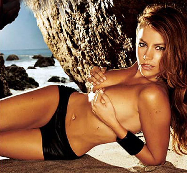 Sofía Vergara sexiest pictures from her hottest photo shoots. (37)