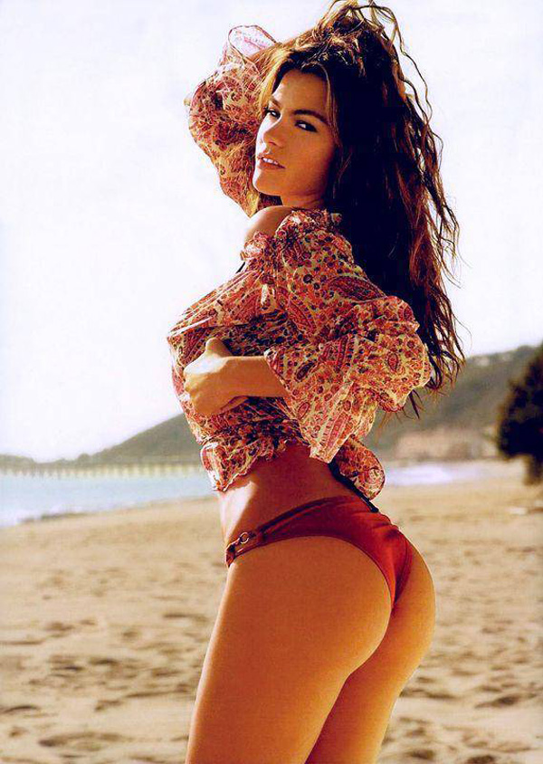 Sofía Vergara sexiest pictures from her hottest photo shoots. (30)