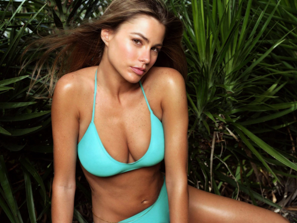 Sofía Vergara sexiest pictures from her hottest photo shoots. (18)