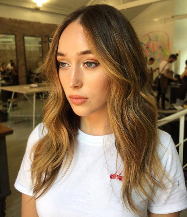 Alycia Debnam-Carey sexiest pictures from her hottest photo shoots. (23)