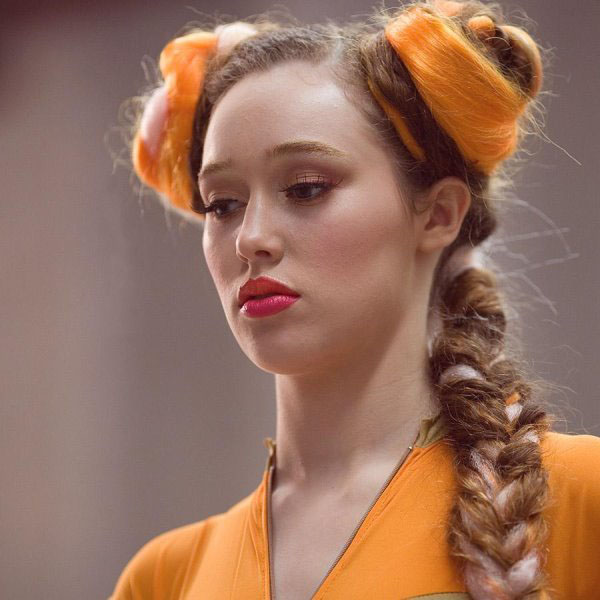 Alycia Debnam-Carey sexiest pictures from her hottest photo shoots. (17)