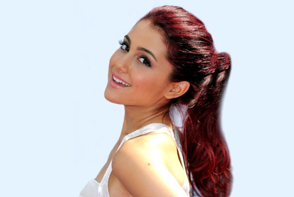 Ariana Grande sexiest pictures from her hottest photo shoots. (16)