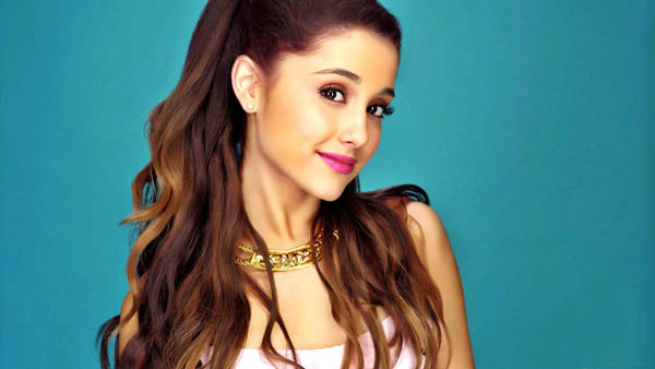 Ariana Grande sexiest pictures from her hottest photo shoots. (4)