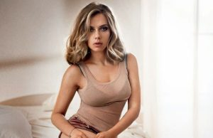 Scarlett Johansson sexiest pictures from her hottest photo shoots. (49)