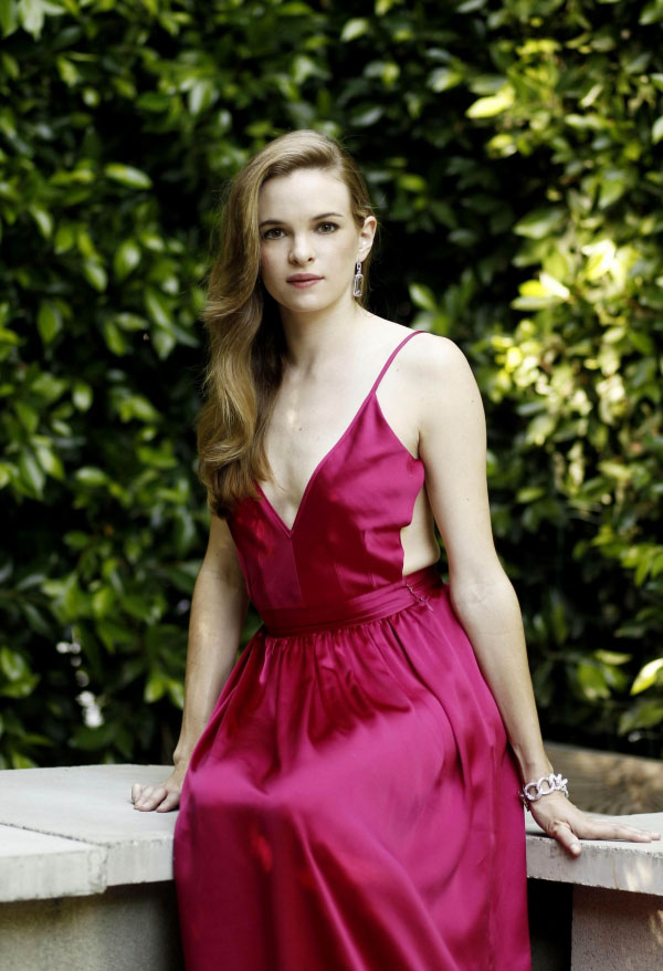 Danielle Panabaker sexiest pictures from her hottest photo shoots. (21)