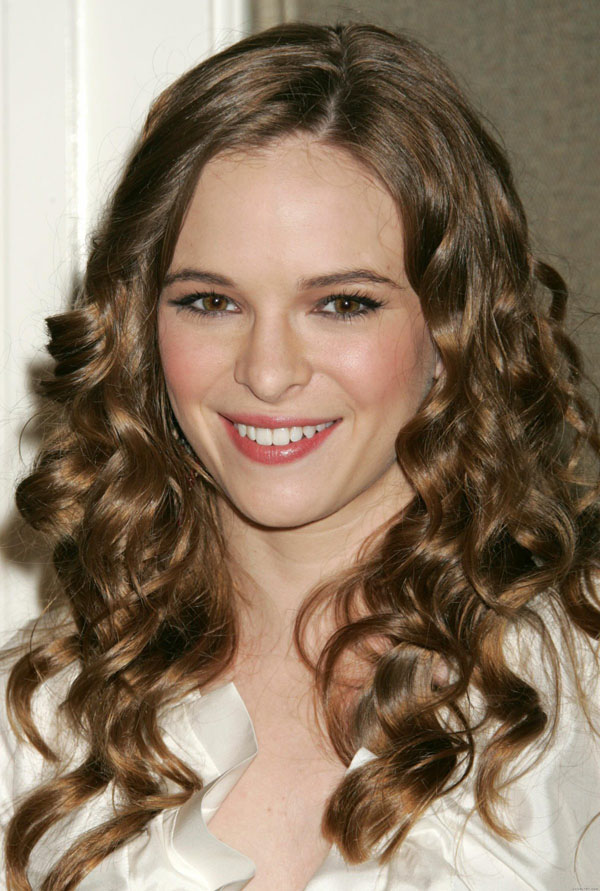 Danielle Panabaker sexiest pictures from her hottest photo shoots. (11)