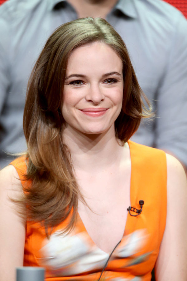 Danielle Panabaker sexiest pictures from her hottest photo shoots. (7)