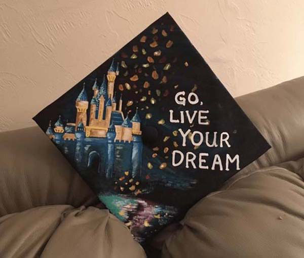 Pictures of Funny Graduation Caps. (3)