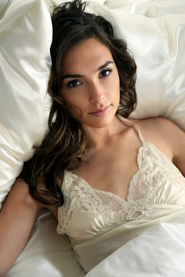 Gal Gadot sexiest pictures from her hottest photo shoots. (18)