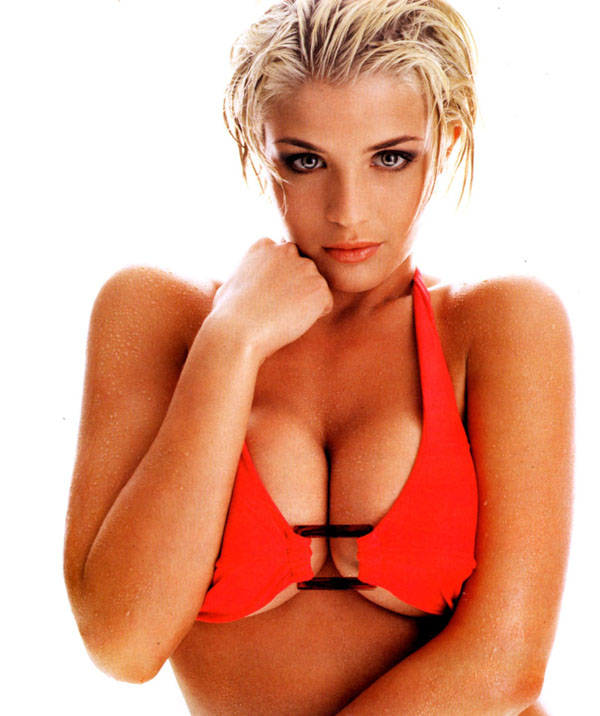 Gemma Atkinson sexiest pictures from her hottest photo shoots. (23)