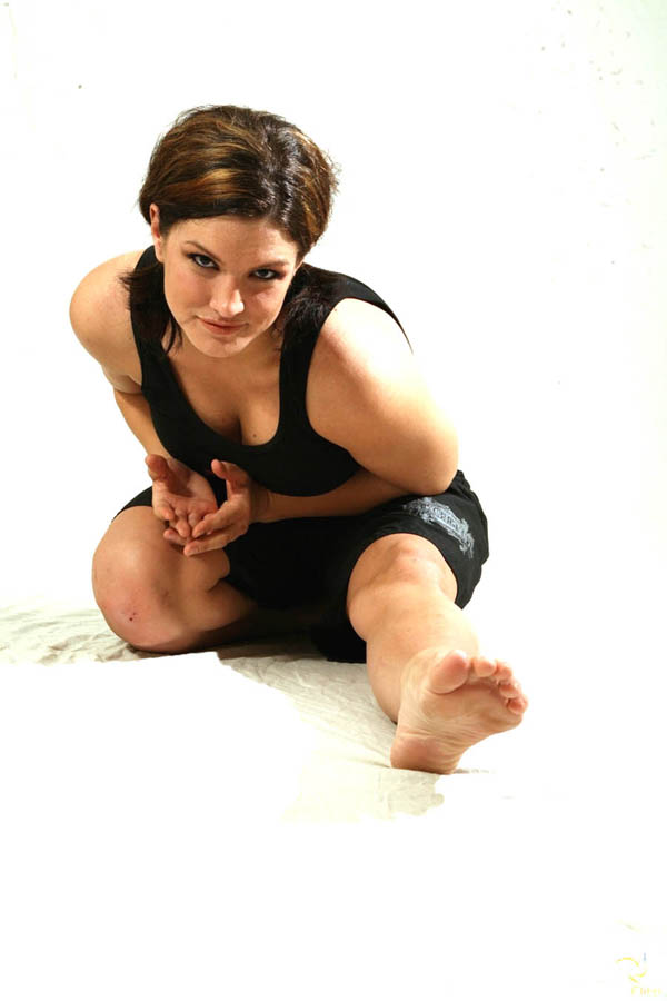 Gina Carano sexiest pictures from her hottest photo shoots. (5)