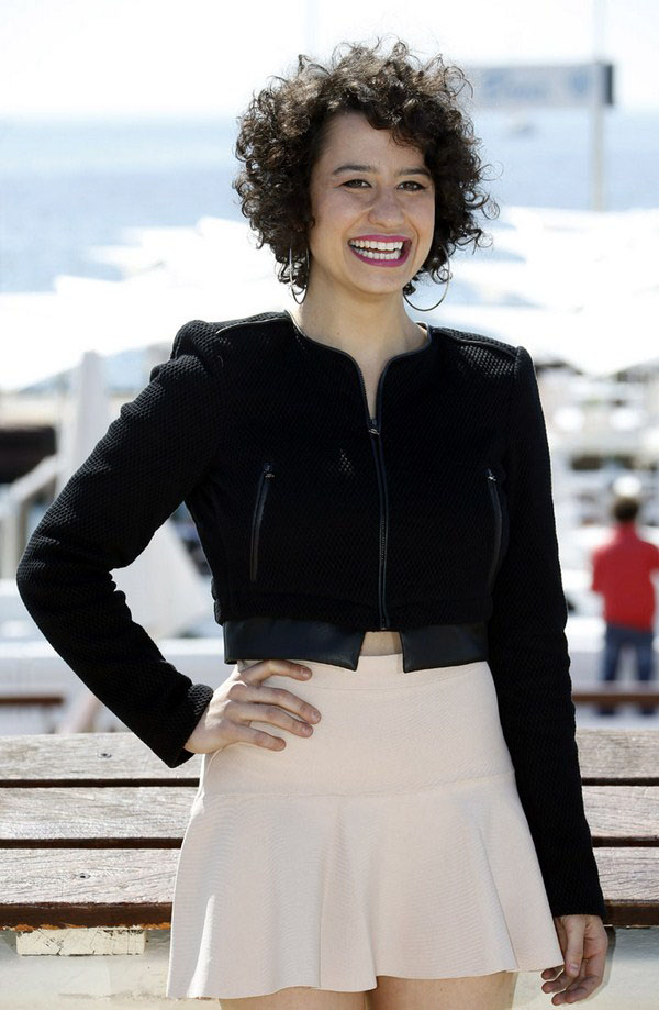 Ilana Glazer sexiest pictures from her hottest photo shoots. (13)
