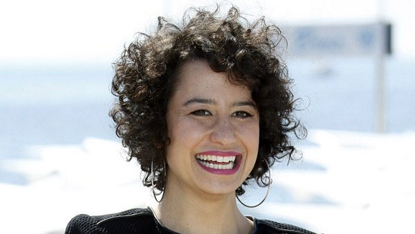 Ilana Glazer sexiest pictures from her hottest photo shoots. (10)