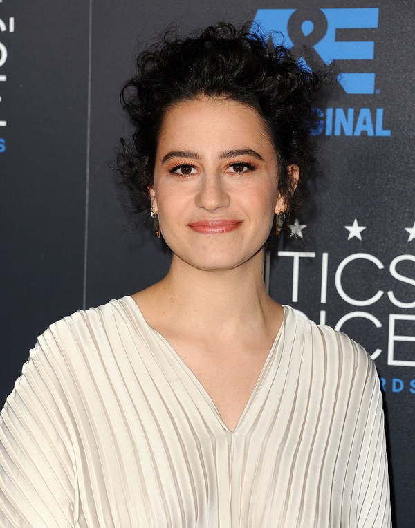 Ilana Glazer sexiest pictures from her hottest photo shoots. (3)