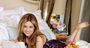 Jenna Fischer sexiest pictures from her hottest photo shoots. (38)