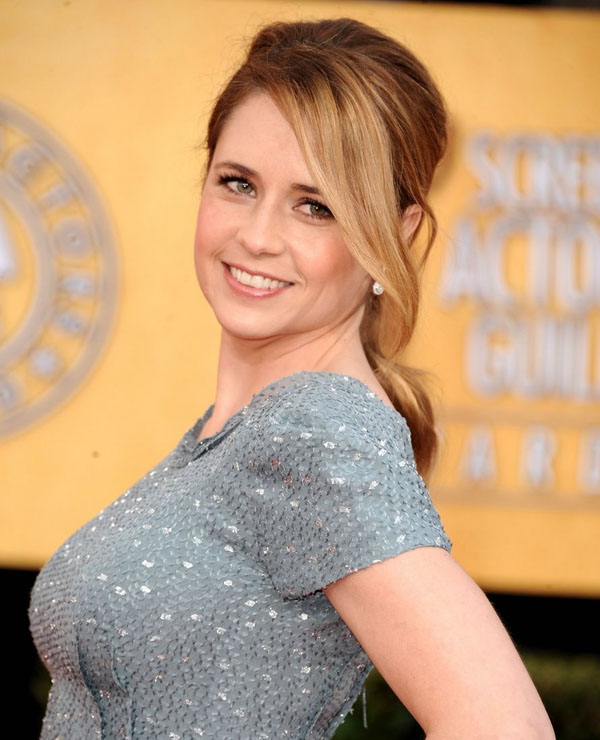 Jenna Fischer sexiest pictures from her hottest photo shoots. (28)
