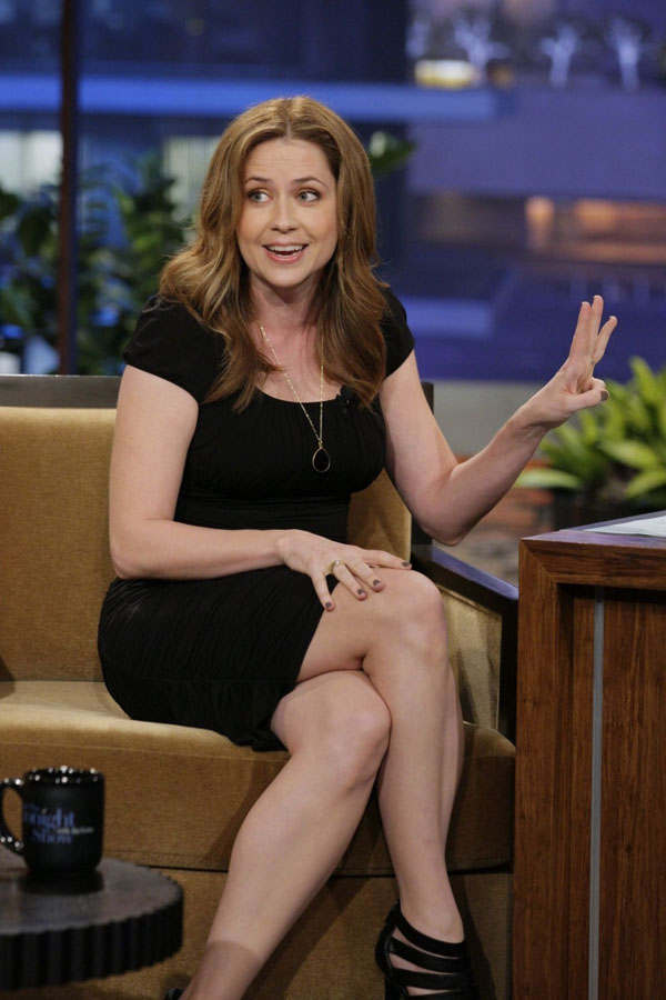 Jenna Fischer sexiest pictures from her hottest photo shoots. (26)