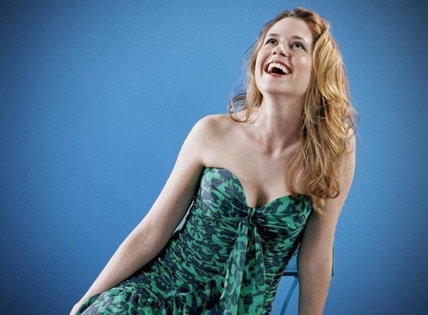Jenna Fischer sexiest pictures from her hottest photo shoots. (1)