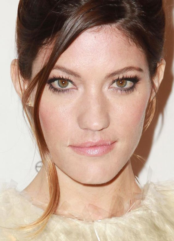 Jennifer Carpenter sexiest pictures from her hottest photo shoots. (10)