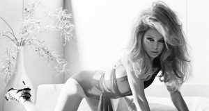 Kelly Ripa sexiest pictures from her hottest photo shoots. (36)