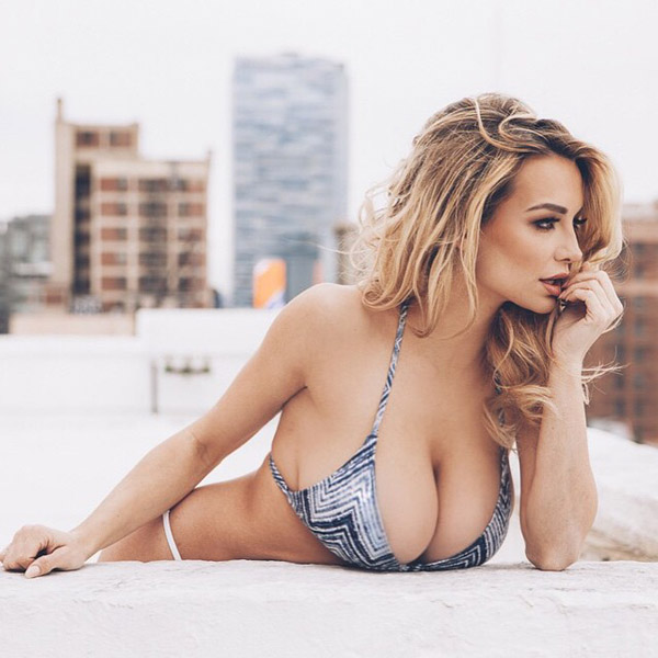Lindsey Pelas sexiest pictures from her hottest photo shoots. (51)