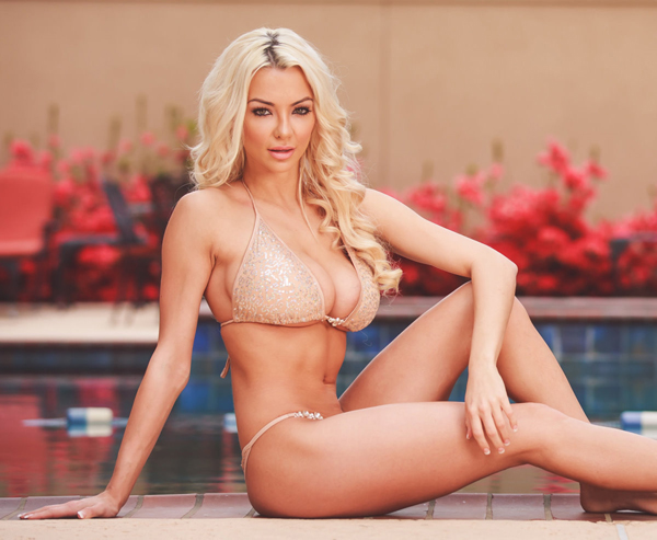 Lindsey Pelas sexiest pictures from her hottest photo shoots. (34)