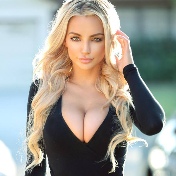 Lindsey Pelas sexiest pictures from her hottest photo shoots. (3)