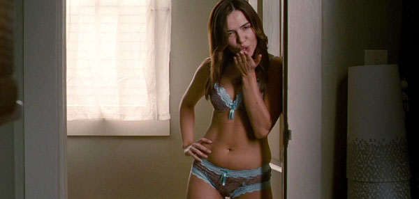 Mandy Moore sexiest pictures from her hottest photo shoots. (36)
