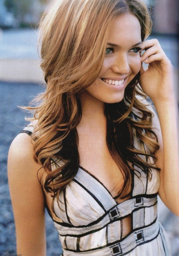 Mandy Moore sexiest pictures from her hottest photo shoots. (4)