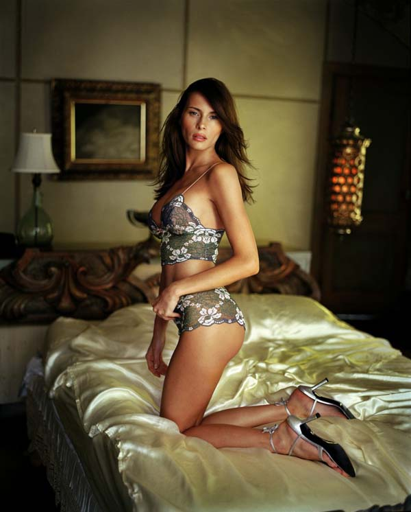 Melania Trump sexiest pictures from her hottest photo shoots. (6)