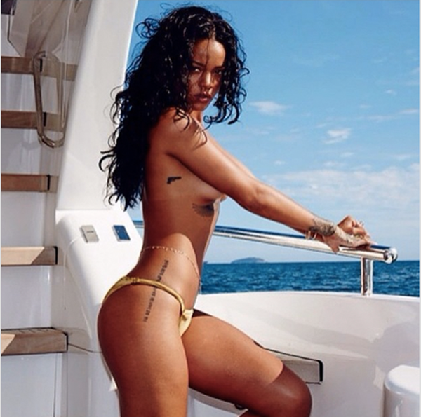 Rihanna sexiest pictures from her hottest photo shoots. (49)
