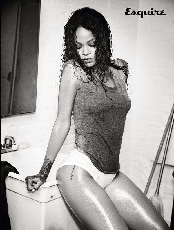 Rihanna sexiest pictures from her hottest photo shoots. (46)