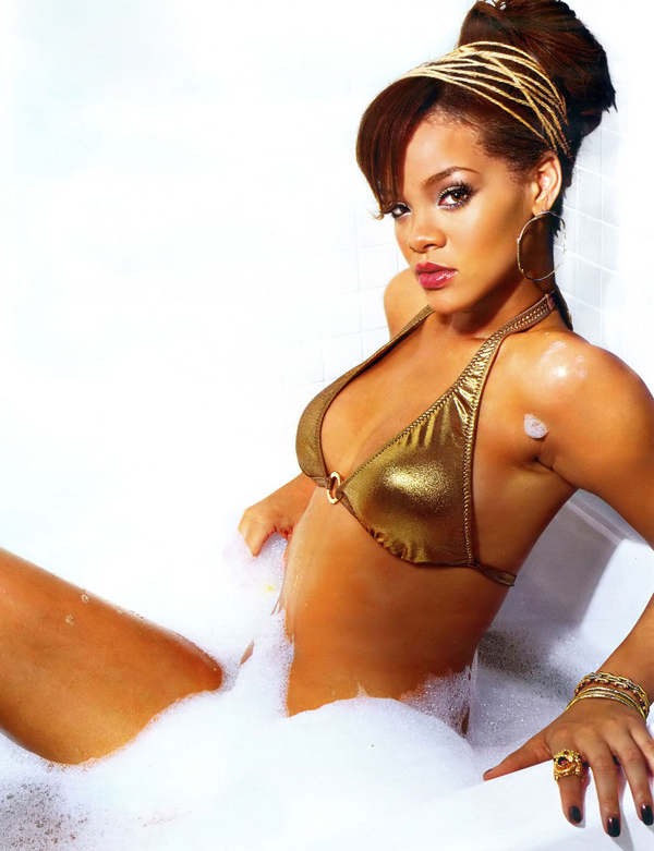Rihanna sexiest pictures from her hottest photo shoots. (36)