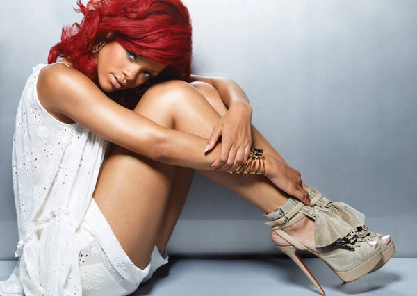 Rihanna sexiest pictures from her hottest photo shoots. (30)