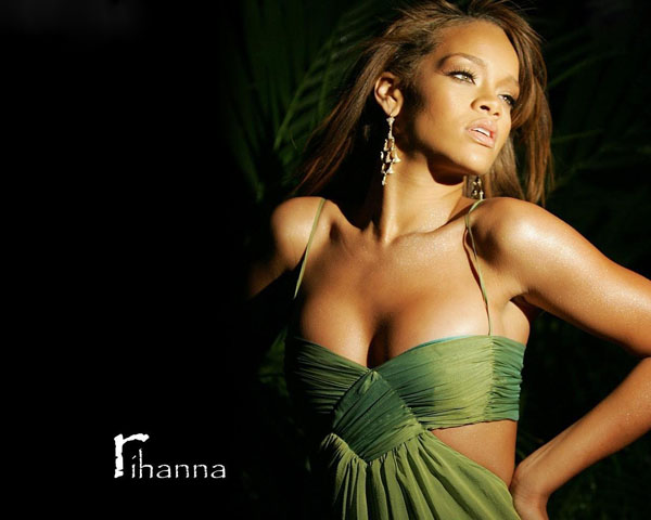 Rihanna sexiest pictures from her hottest photo shoots. (25)