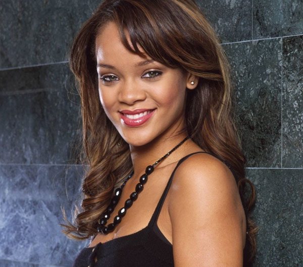 Rihanna sexiest pictures from her hottest photo shoots. (22)