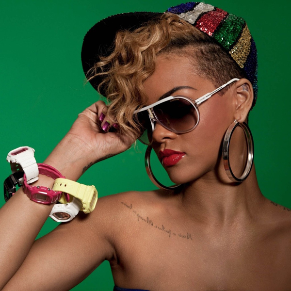 Rihanna sexiest pictures from her hottest photo shoots. (19)