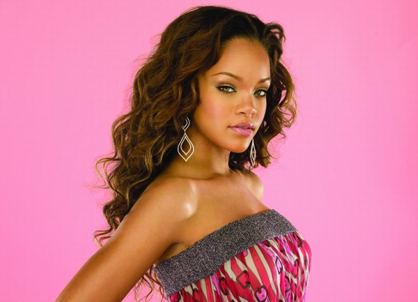 Rihanna sexiest pictures from her hottest photo shoots. (18)