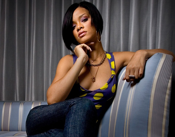 Rihanna sexiest pictures from her hottest photo shoots. (11)