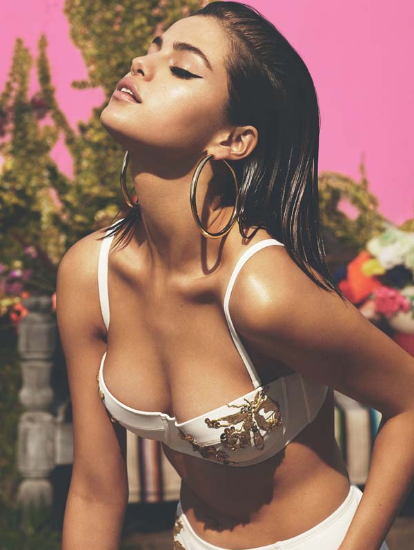 Selena Gomez sexiest pictures from her hottest photo shoots. (35)