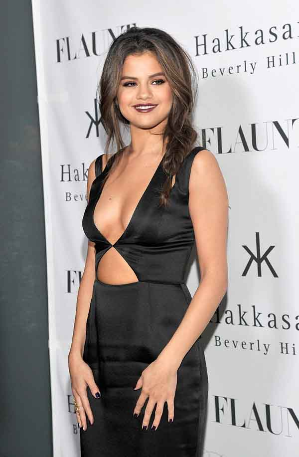 Selena Gomez sexiest pictures from her hottest photo shoots. (11)