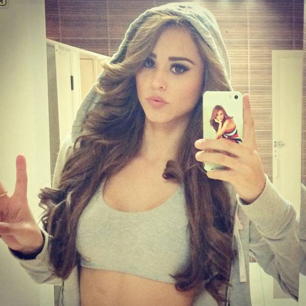 Yanet Garcia sexiest pictures from her hottest photo shoots. (32)