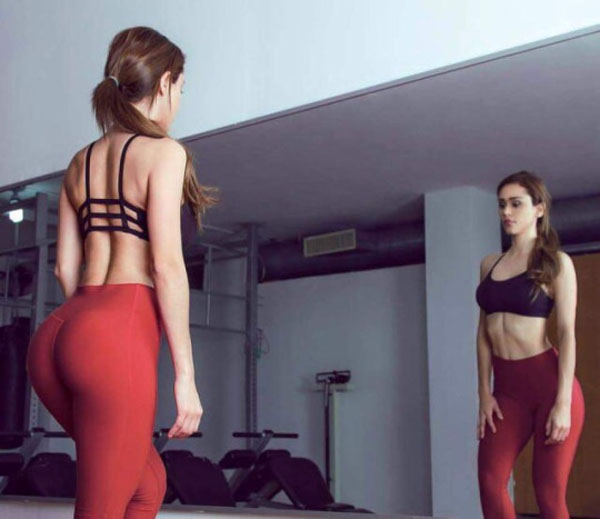 Yanet Garcia sexiest pictures from her hottest photo shoots. (31)