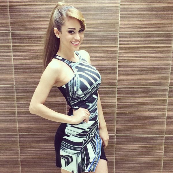 Yanet Garcia sexiest pictures from her hottest photo shoots. (25)
