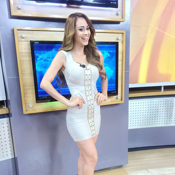 Yanet Garcia sexiest pictures from her hottest photo shoots. (20)