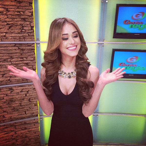 Yanet Garcia sexiest pictures from her hottest photo shoots. (7)