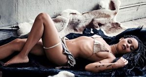 Zoe Kravitz sexiest pictures from her hottest photo shoots. (37)