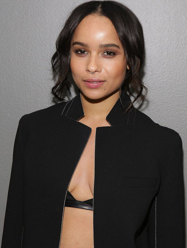 Zoe Kravitz sexiest pictures from her hottest photo shoots. (21)