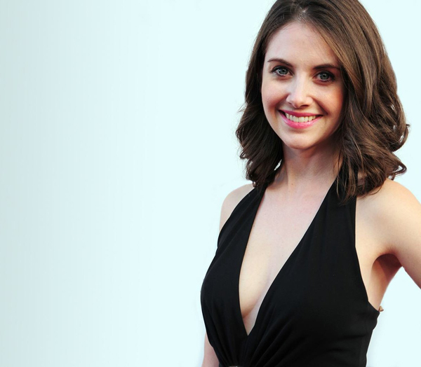 Alison Brie's sexiest pictures from her hottest photo shoots. (25)